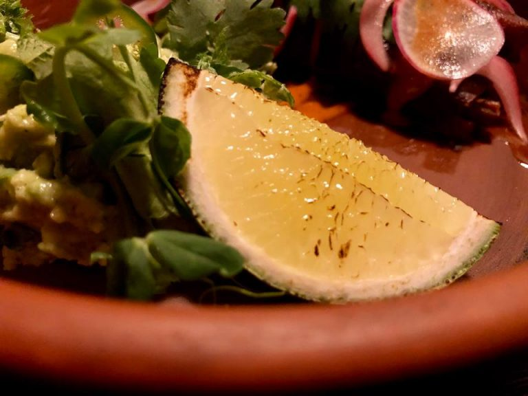 Veladora Cantina: ешь, борись, гугли.